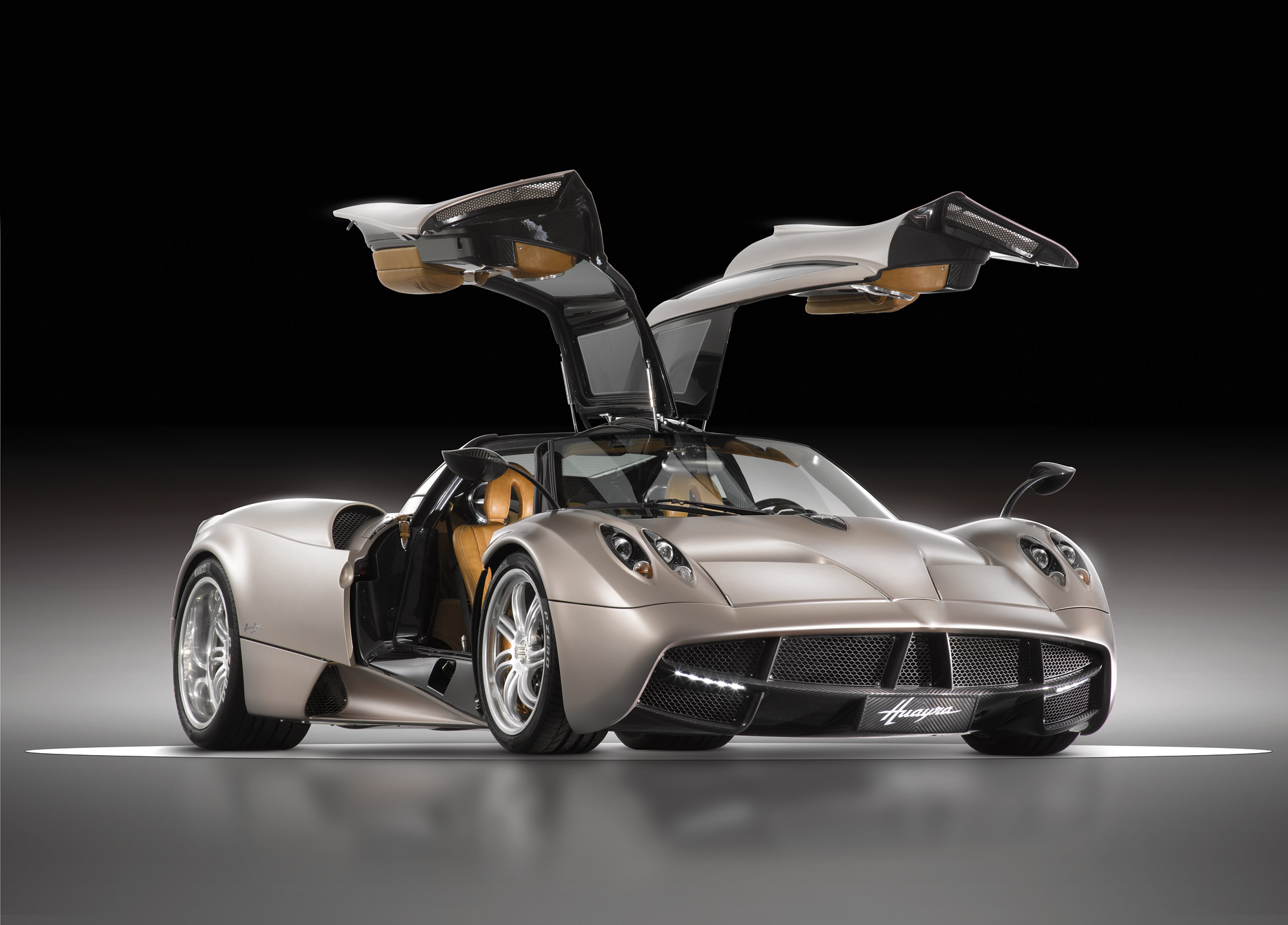 Pagani Huayra - The Winning Aspiration